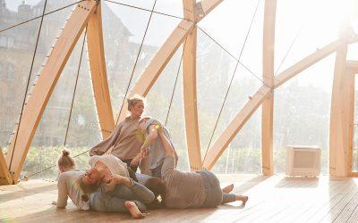 Linnéa dansar för att nå full potential ihop med andra